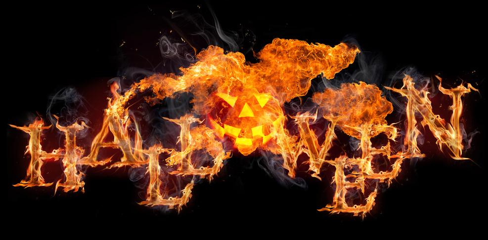 Halloween Name mit Feuer und Kürbis