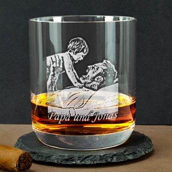 Whiskyglas von Stölzle mit Papa und Jonas graviert