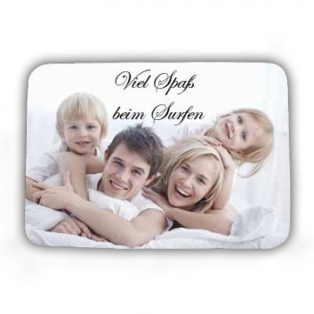 Mousepad in eckiger Form mit einem Familienfoto bedruckt.