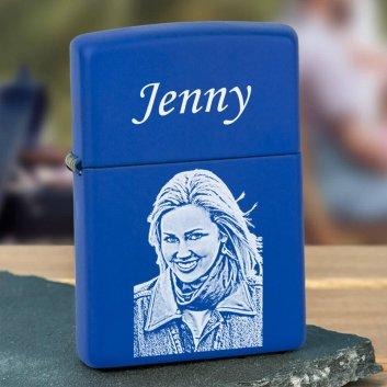 blaues Zippo mit Fotogravur