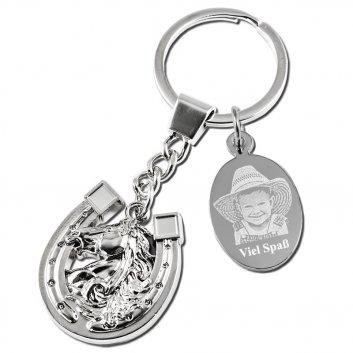 Schlüsselanhänger Hufeisen als Anhänger mit einer Gravurplatte mit Fotogravur