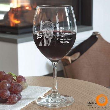 Rotweinglas als Geburtstagsgeschenk von Spiegelau mit Foto und Text graviert