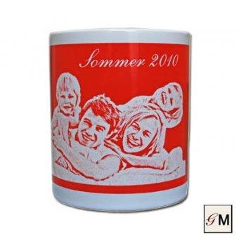Foto-Tasse in rot mit Gravur aus Keramik