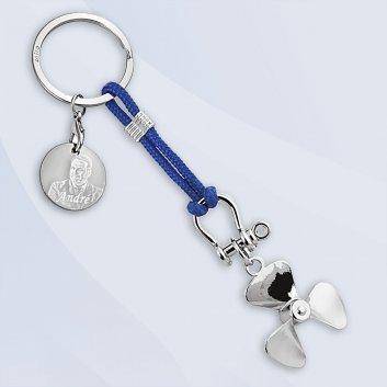 Schiffsschraube als maritimer Schlüsselanhänger an blauem Nylonband mit Gravurplattte und Schlüsselring