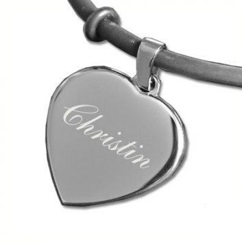 Armband Silber in Herzform mit Namen graviert.