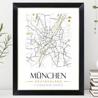 Heimat Poster mit Nielsen Bilderrahmen Classico auf Kommode