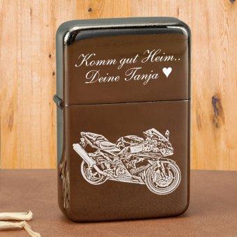 Angel Greystar Benzinfeuerzeug mit Gravur eines Motorrad und Text